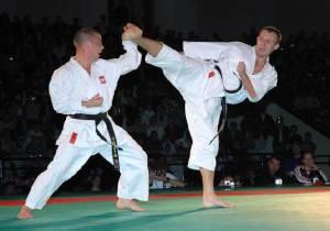 karate-elbisesi-karategi